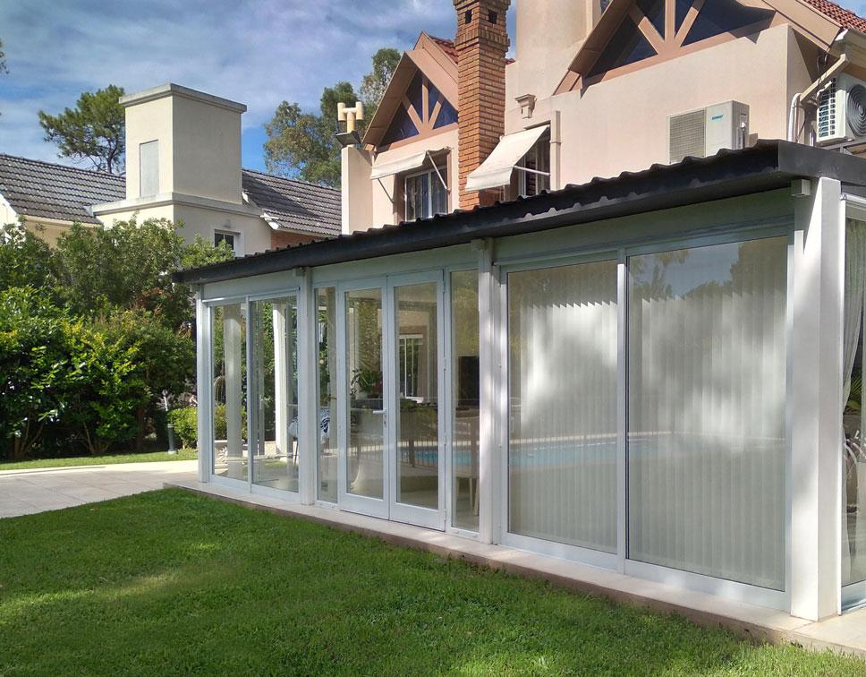 cortinas-bandas-verticales-deco-exterior